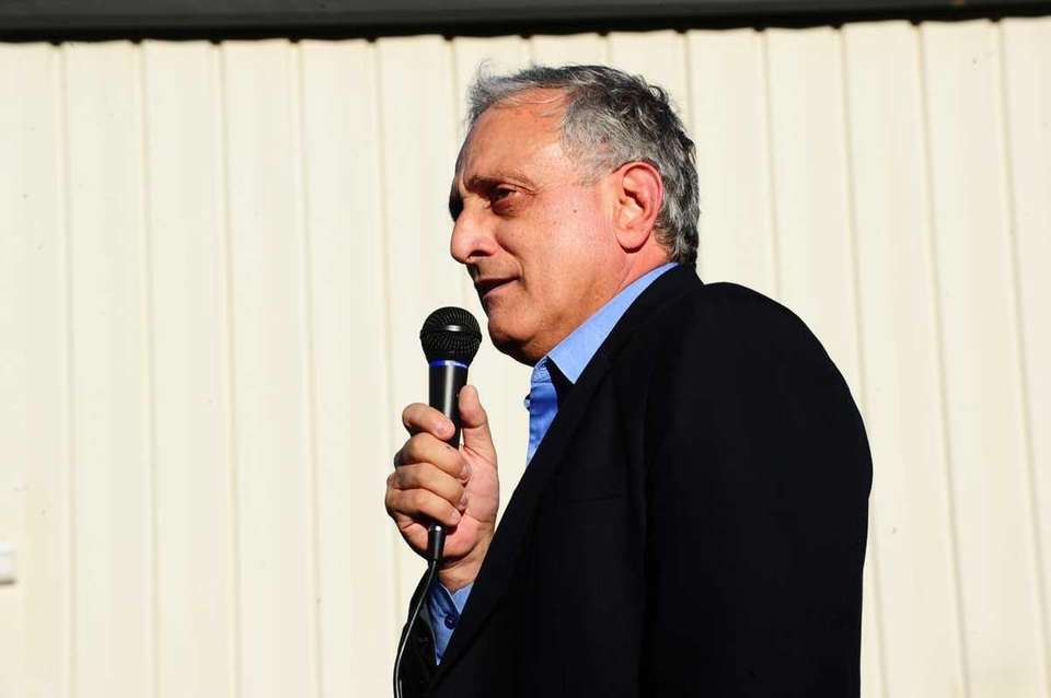 GOP NY gubernatorial candidate Carl Paladino speaks during