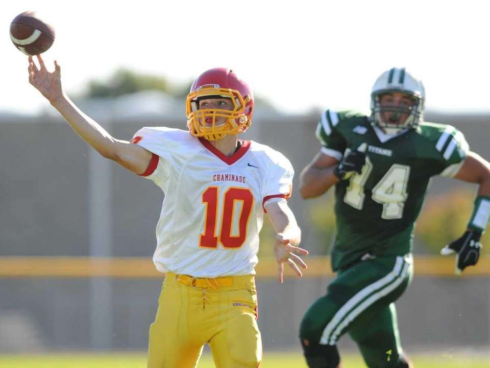 Chaminade High School quarterback #10 Kyle Johnson