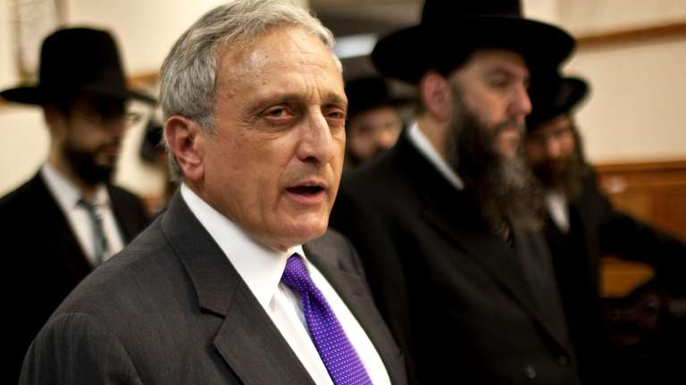 GOP NY gubernatorial candidate Carl Paladino meets with