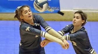 Bayport Blue Point's Cathleen Farrell and Lyndsey Ingber