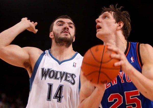 Minnesota Timberwolves, Nikola Pekovic, left, and New York