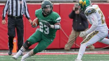 Nick Silva #23 of William Floyd carries the