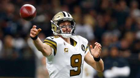 New Orleans Saints quarterback Drew Brees (9) passes