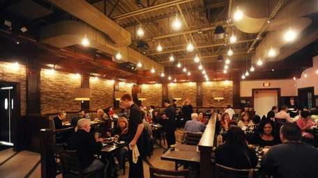 Diners fill tables at Ragazzi Italian Kitchen &