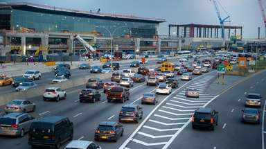 Traffic on the Grand Central Parkway outside LaGuardia