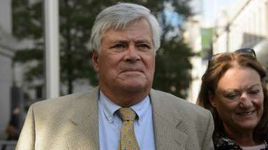 Ex-State Sen. Dean Skelos leaves federal court in