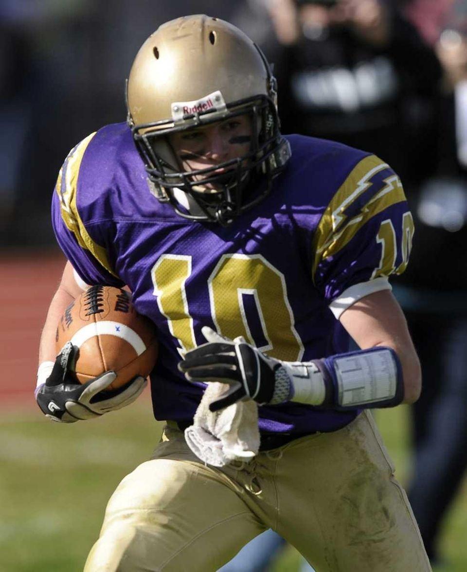 Sayville's Tom Hannan scores a touchdown in the