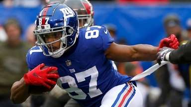 Sterling Shepard of the Giants runs the ball