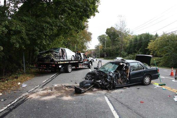 3 hurt in upper brookville crash that closed northern for Honda northern blvd