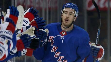 Kevin Hayes of the Rangers celebrates his goal