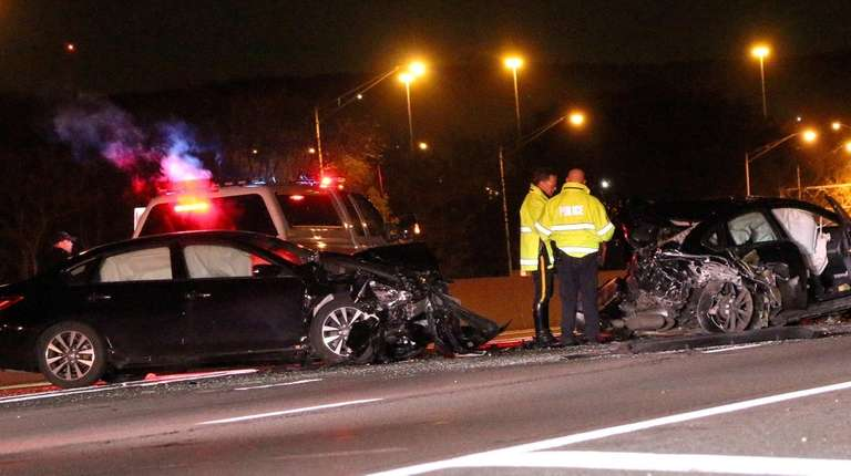 Man dies in multivehicle crash on Long Island Expressway, police say