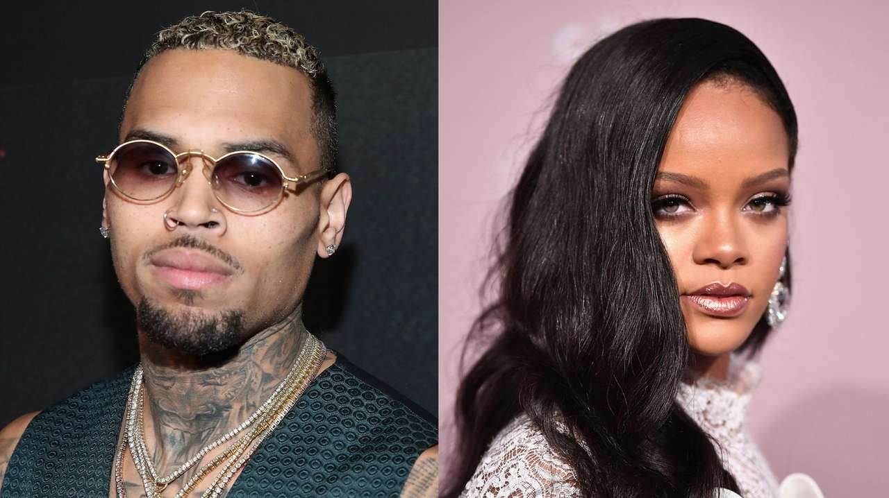 Chris Brown outrages fans by commenting on Rihanna's photo ...