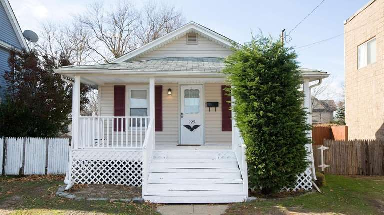 7 Long Island Bungalows For Sale Newsday