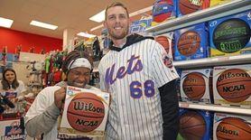 Mets second baseman Jeff McNeil and pitcher Zack