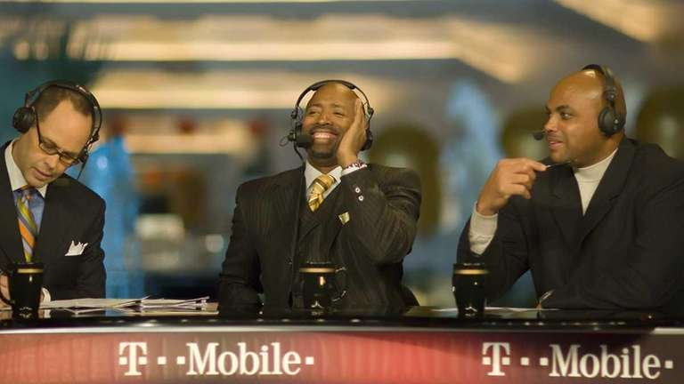 (From left) Ernie Johnson, Kenny Smith and Charles