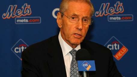Mets owner Fred Wilpon speaks at a news