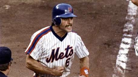 PHOTO DATE: OCTOBER 1986 Teeth clenched, Wally Backman