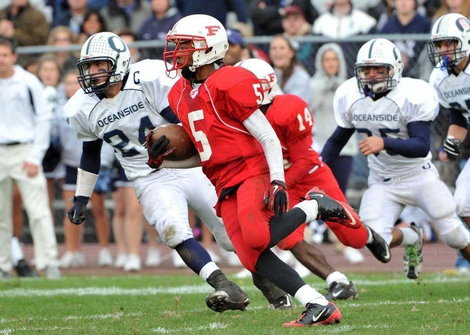 Freeport Red Devils wide receiver Jere Brown (5)