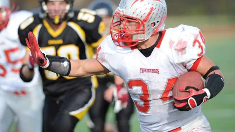 Connetquot's Mike Pellegrino rushes for a touchdown. (Oct.