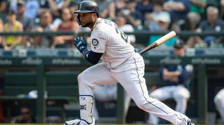 Robinson Cano #22 of the Seattle Mariners takes