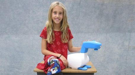 Kidsday reporter Ava Bulanowski tested Flycatcher's smART sketcher