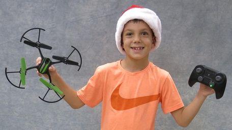 Kidsday reporter Luciano Kryoneris tested Sky Viper Fury