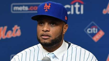 Robinson Cano is introduced by the Mets during