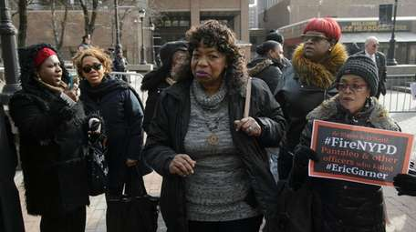 Gwen Carr, Eric Garner's mother, exits One Police