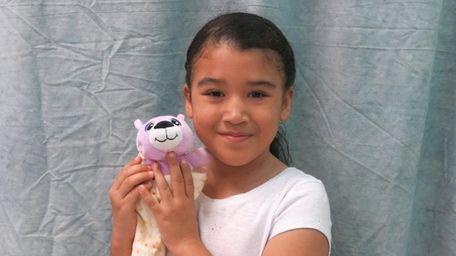 Kidsday reporter Eunice Reyes tested Cutetitos collectibles.