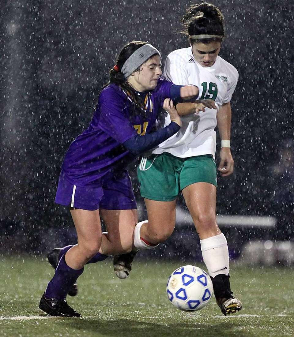 Oyster Bay's Danielle Maggie, left, tries to stop