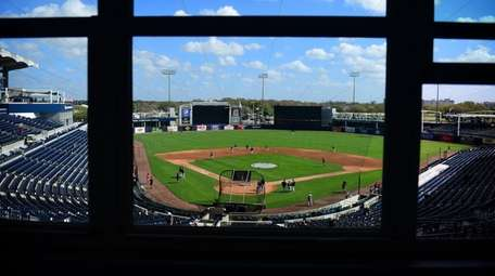 Yankees players work out before a spring training