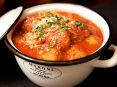 Maroni Cuisine is famous for its pots of