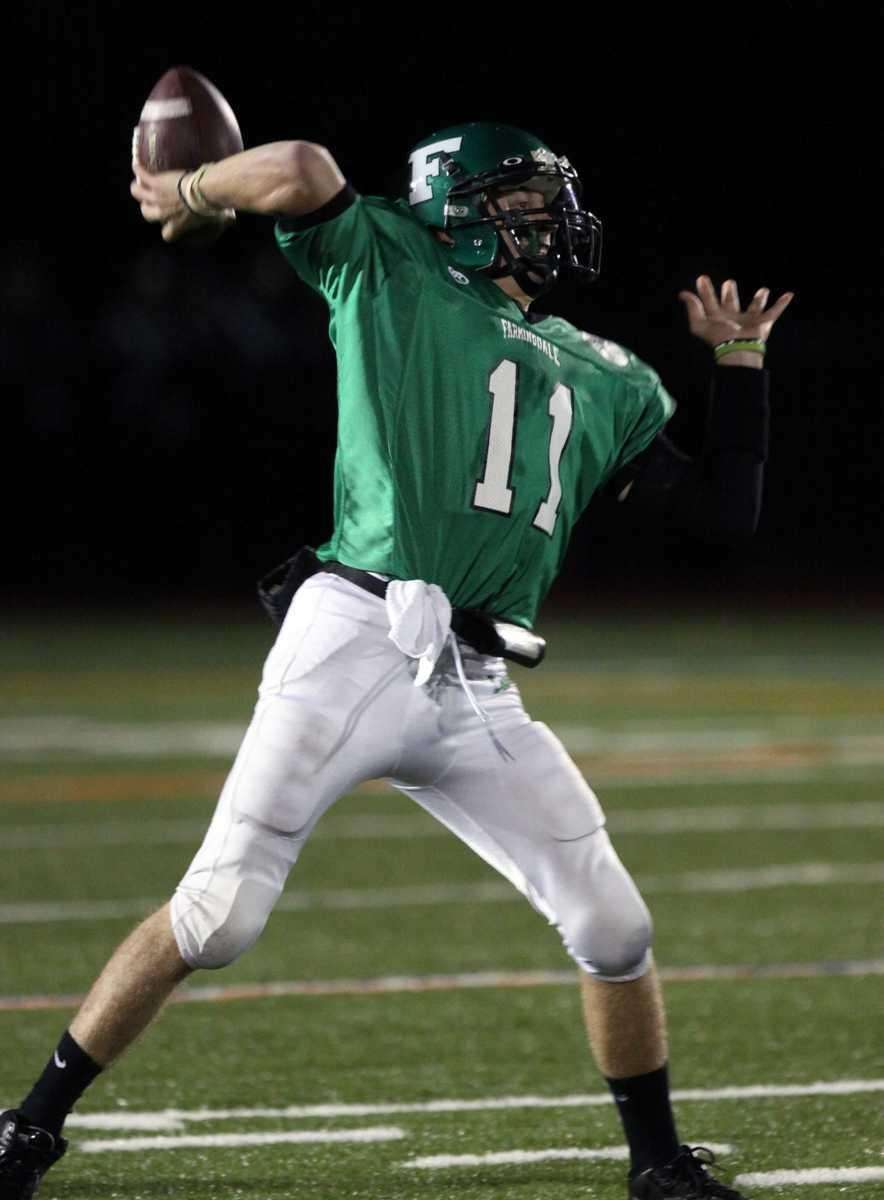 Farmingdale QB Sal Tuttle makes a pass against