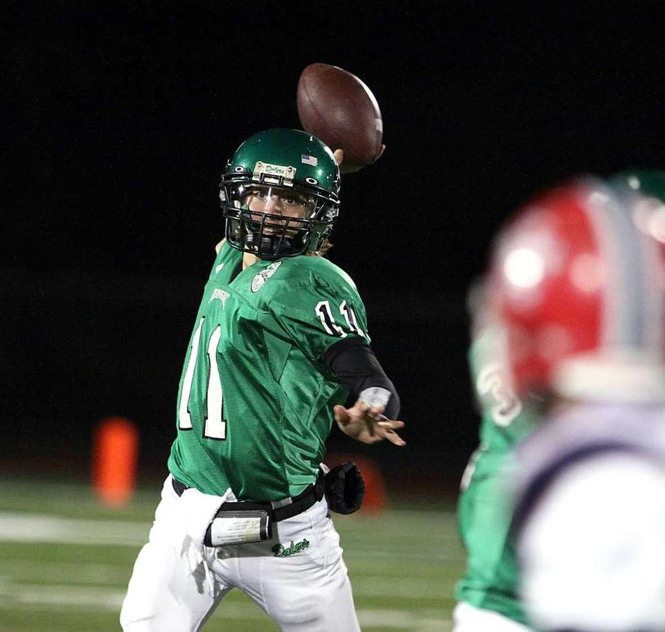 Farmingdale QB Sal Tuttle throws an incomplete pass.