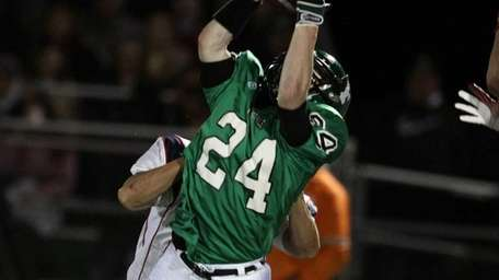 Outstanding catch by Farmingdale's Vinny Schultz for a