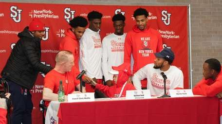 Harlem Beal. 7, signs letter of intent to