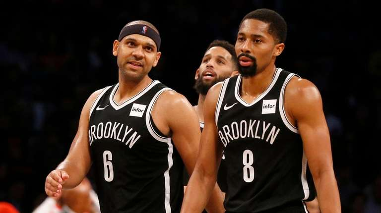 Jared Dudley #6 and Spencer Dinwiddie #8 of