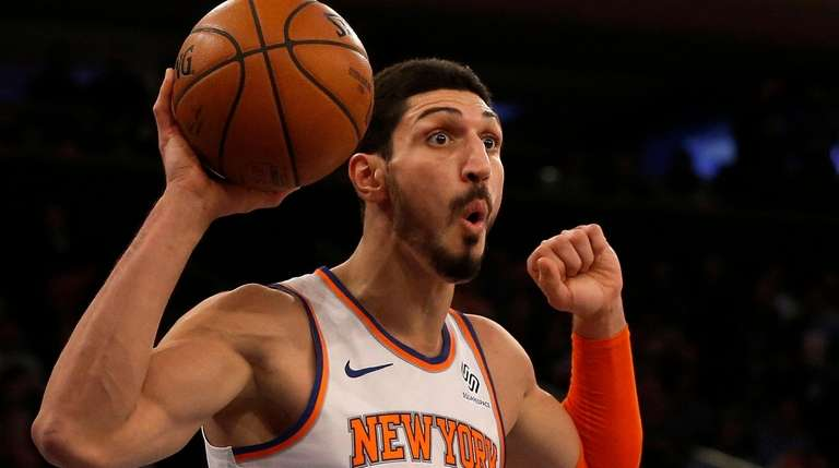 b988a3d4724 Enes Kanter  00 of the New York Knicks
