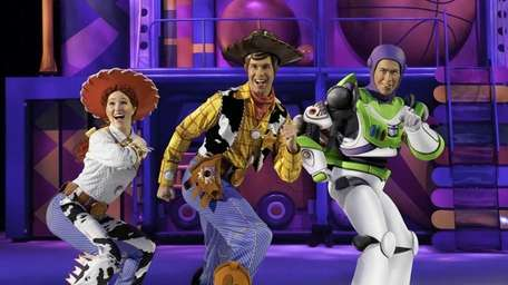 Jessie, Woody and Buzz put on some smooth