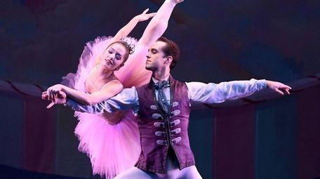 New York City Ballet dancers Unity Phelan and