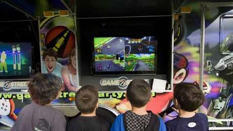 Rob Gainer's GameStreet mobile arcade trailer entertains a