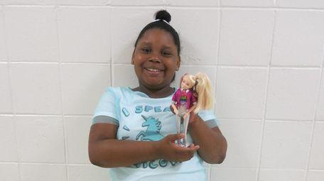 Kidsday reporter Malaia Marrow reviewed the JoJo Siwa