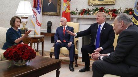 From left, House Minority Leader Nancy Pelosi ,