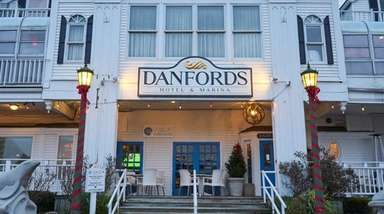 Wave Seafood and Steak at Danfords in Port