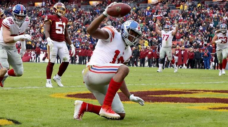 Giants receiver Bennie Fowler celebrates after catching a