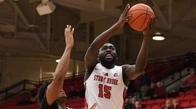 Stony Brook guard Akwasi Yeboah puts up a