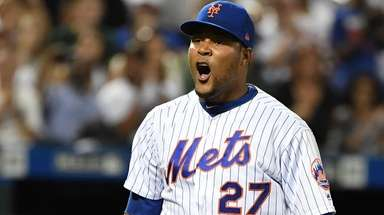 Mets relief pitcher Jeurys Familia reacts against the