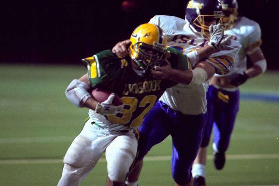 Lynbrook came back from a 7-0 first-quarter deficit,