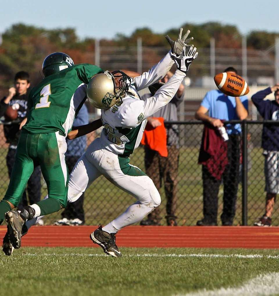 Longwood wide reciever Dave Bennett #46 can't grab