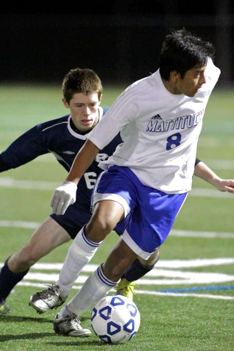 Mattituck HS's Andres Aldaz blows past the defense